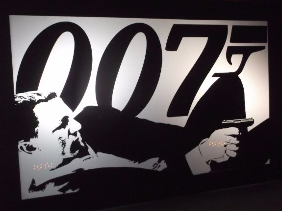 Large 007 Silhouette Panel