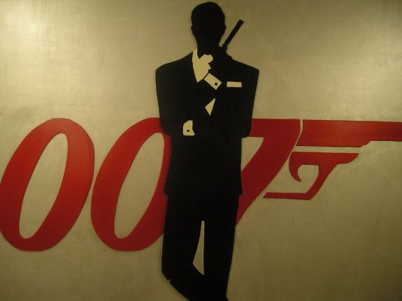 Red 007 with Bond Silhouette Wooden