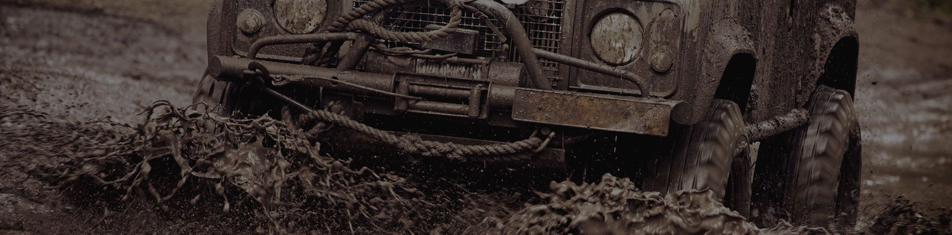 4x4 ploughing through the mud at Nottingham Driving